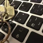 パスワード管理は大切。最低限、サービスごとに違うものを使って、iPhoneアプリで管理しましょう。