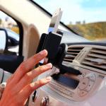 CD/DVDスロットに装着する車載ホルダー – nGroove MT5000